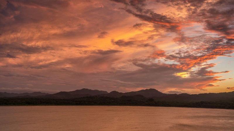 sunset travel blogging