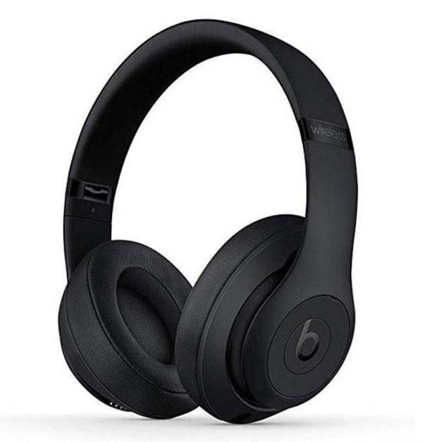 "voyager intelligemment | Casque antibruit ""class ="" wp-image-137619 ""srcset ="" https://theplanetd.com/images/travel-gadgets-beats-headphones-603x627.jpg 603w, https://theplanetd.com/images / travel -gadgets-beats-headphones-281x292.jpg 281w, https://theplanetd.com/images/travel-gadgets-beats-headphones-768x798.jpg 768w, https://theplanetd.com/images/travel-gadgets -beats -headphones-600x623.jpg 600w, https://theplanetd.com/images/travel-gadgets-beats-headphones.jpg 770w ""values ="" (largeur maximale: 603px) 100vw, 603px"