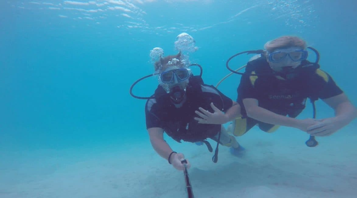 travel insurance when scuba diving