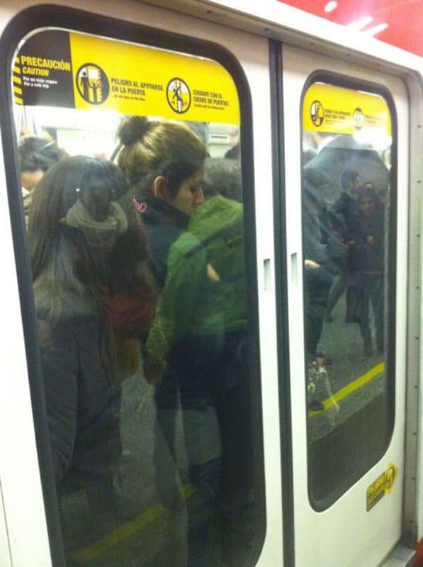 travel scams metro