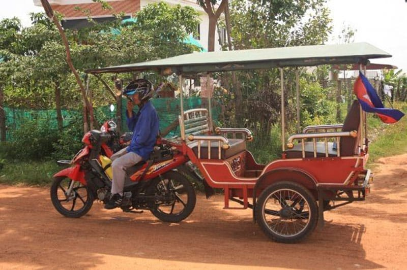 travel scams tuk tuk