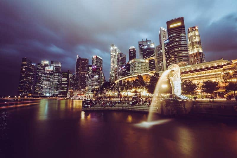 travel singapore like a local featured image