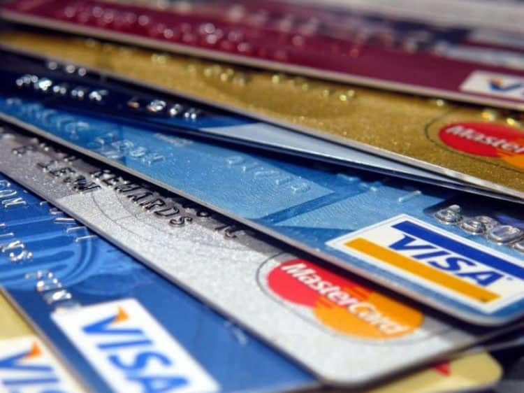 ways to travel the world with rewards credit cards