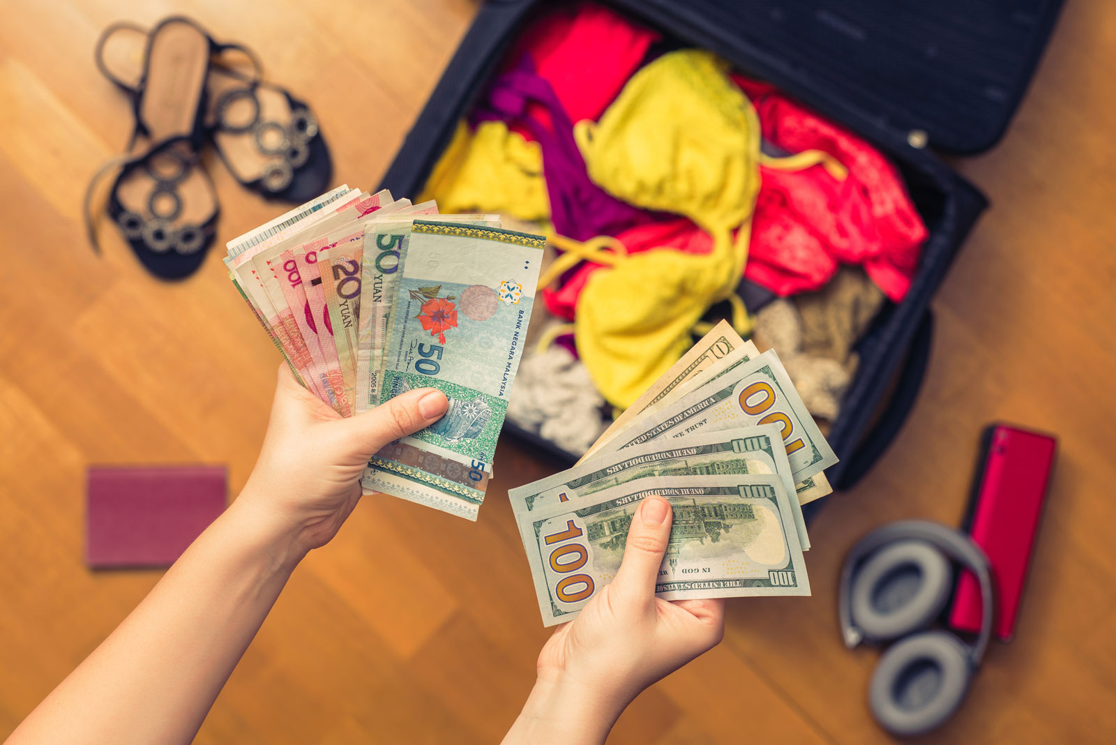 budget travel tips | money