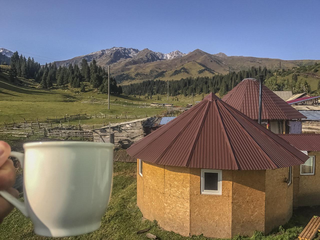 kyrgyzstan trekking jyrgalan