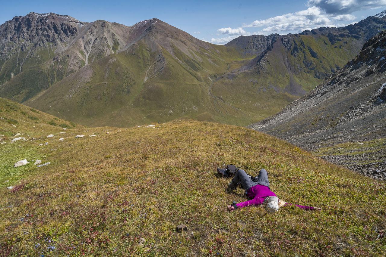 Trekking Kyrgyzstan hike up