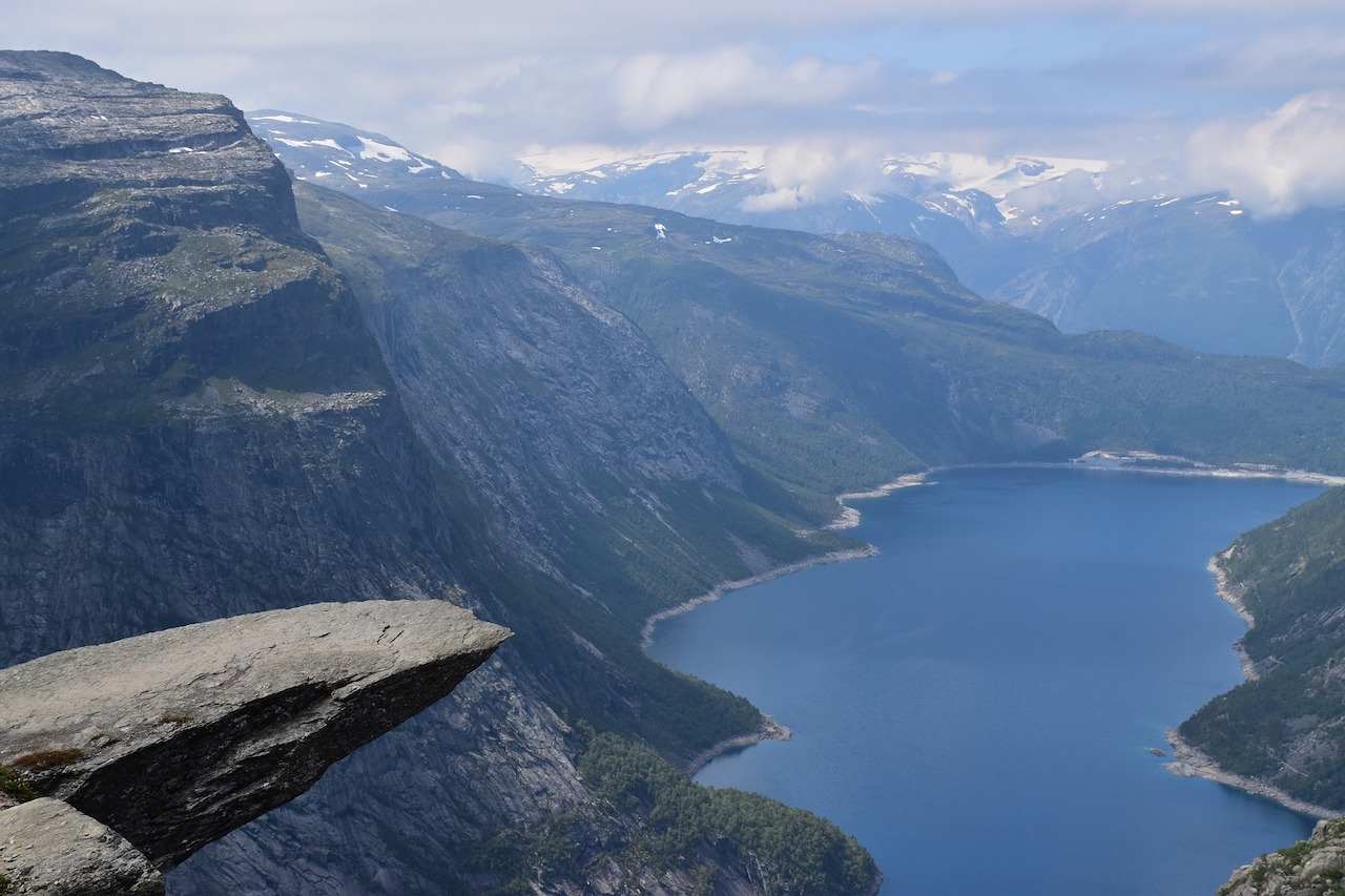 trolltunga hike norway featured image