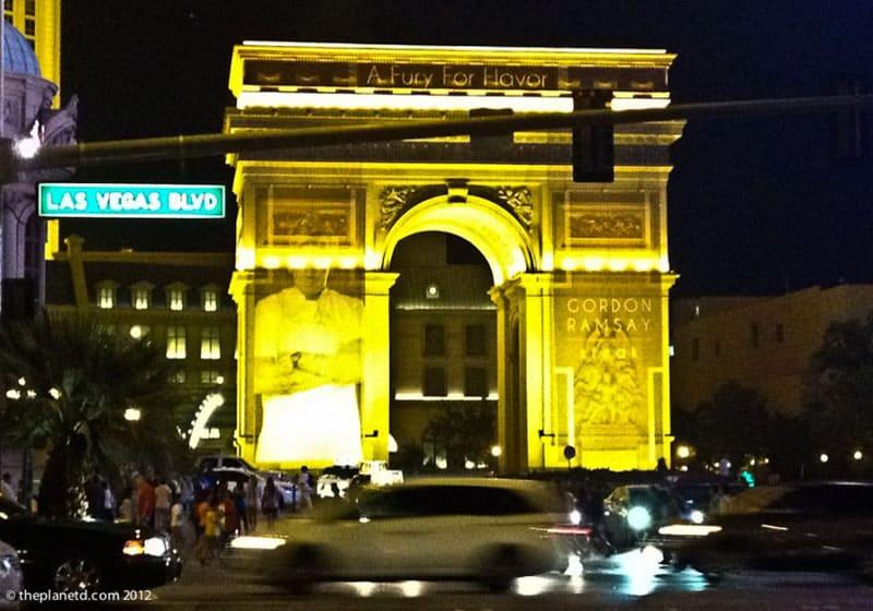 vegas landmarks arc de triomphe