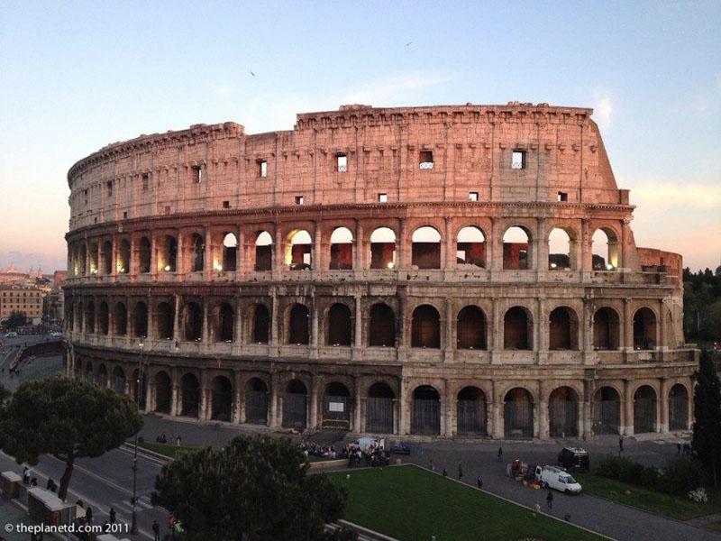vespa tour rome colosseum