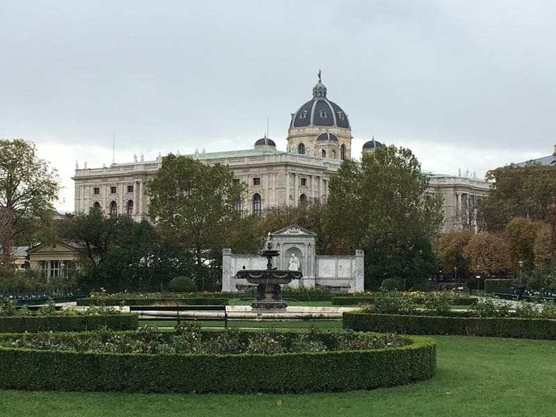 what to see in vienna mozarts grave