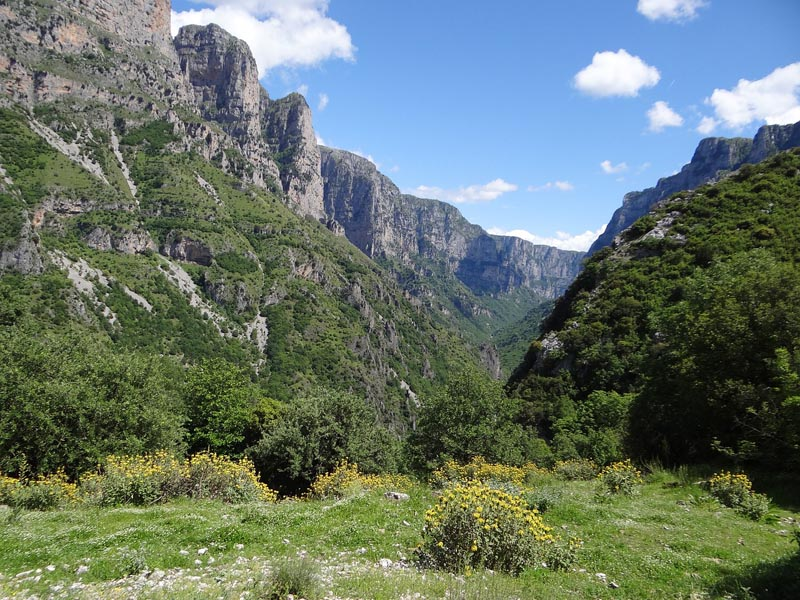 vikos gorge unprepared to hike