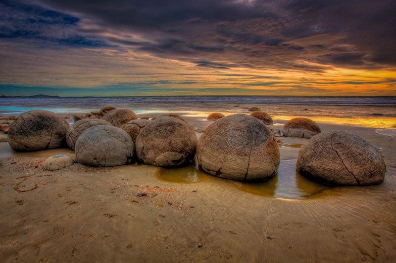 visit new zealand moeraki boulders