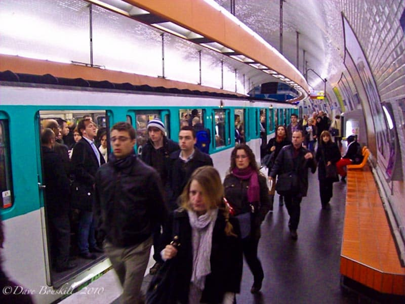 take the metro for Paris on a Budget