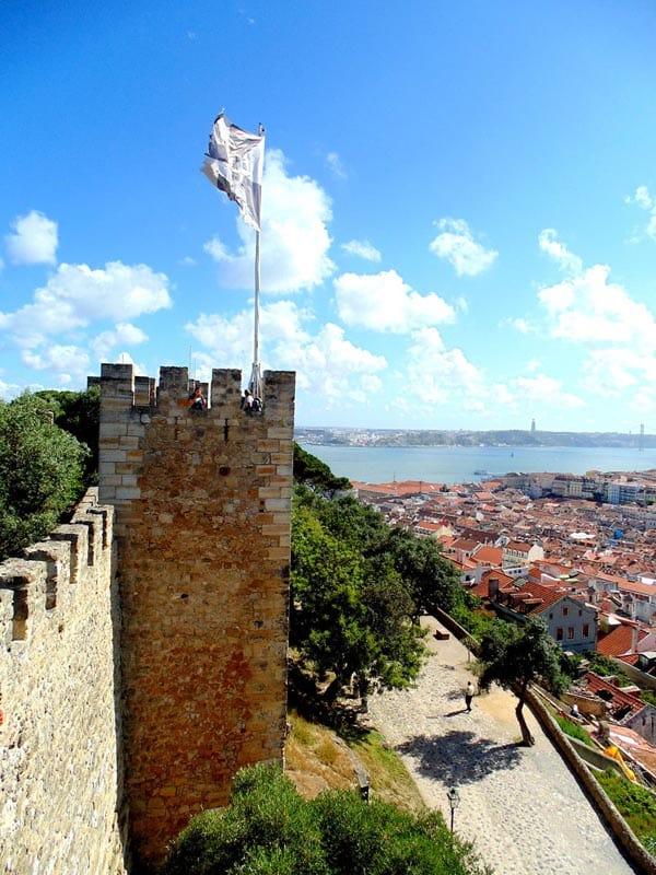 visit portugal castles