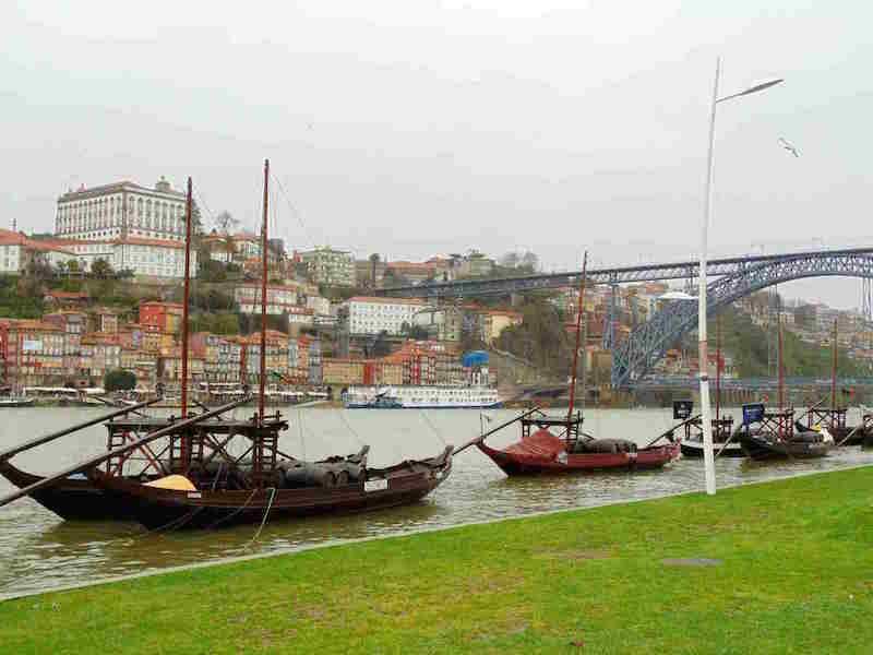 visit portugal gondola