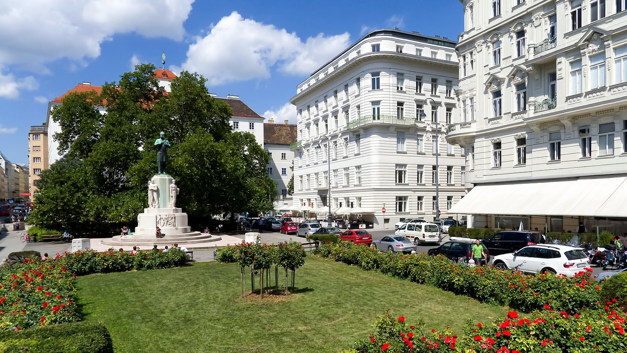 when to visit viena austria capital