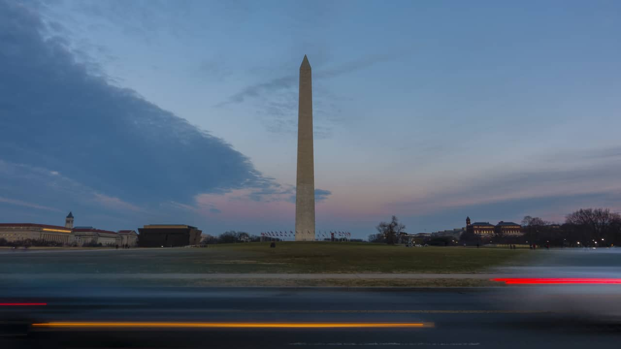walking-tour-washington-dc-national-monument-2