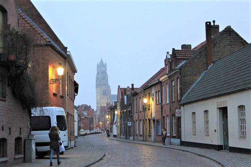 how to visit bruges on a budget