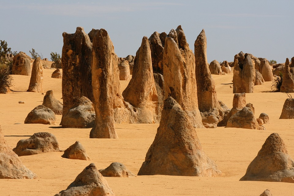 places in western australia the pinnacles