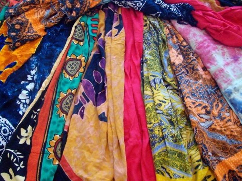 what is a sarong