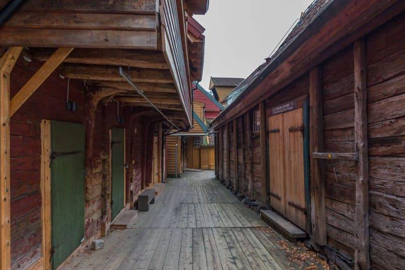 what to do in bergen bryggen