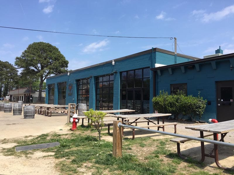 where to drink in Virginia Beach Commonwealth Brewing