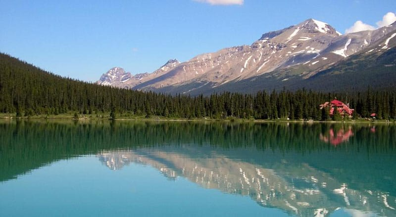 where to stay in Banff lake