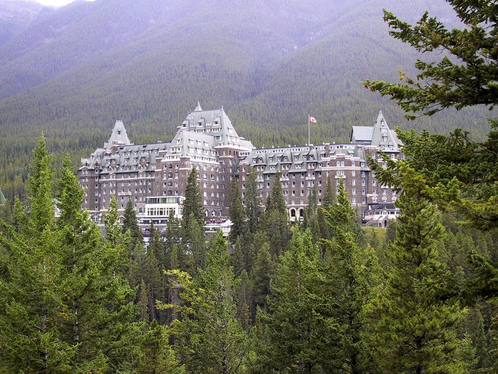 places to stay in banff Canada | Fairmont banff springs hotel