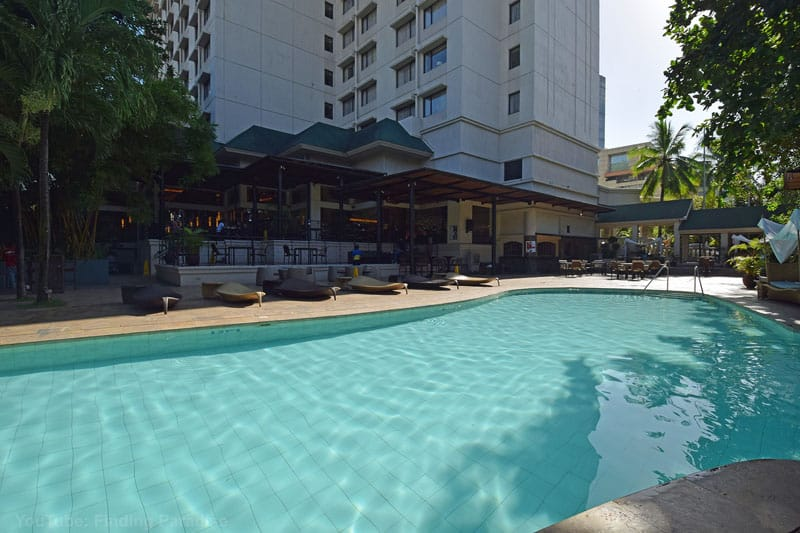 where to stay in cebu philippines marriott pool