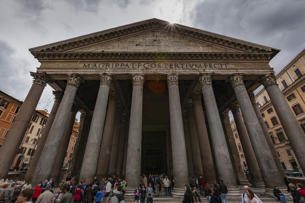The Pantheon near Centro Storcio