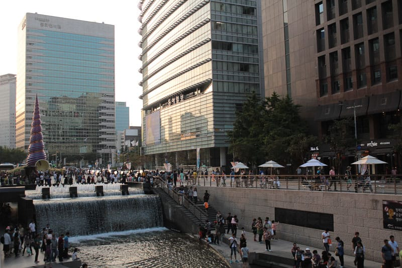 Where to stay in Seoul Cheonggyecheon Stream