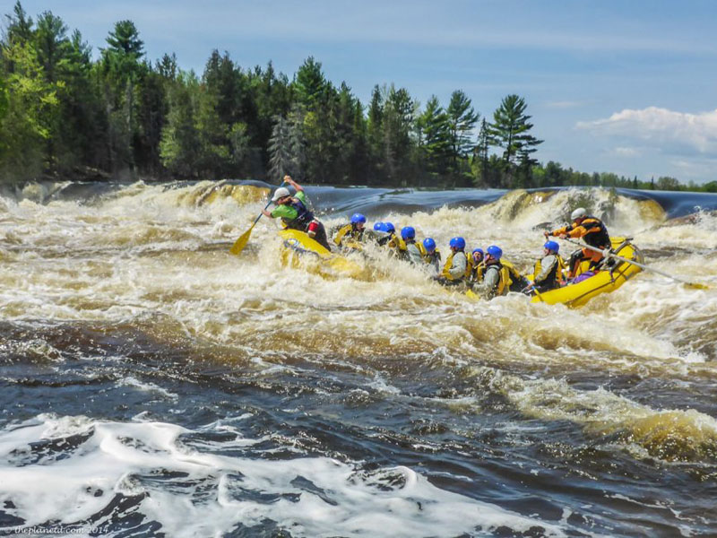 whitewater rafting ottawa river group rapids