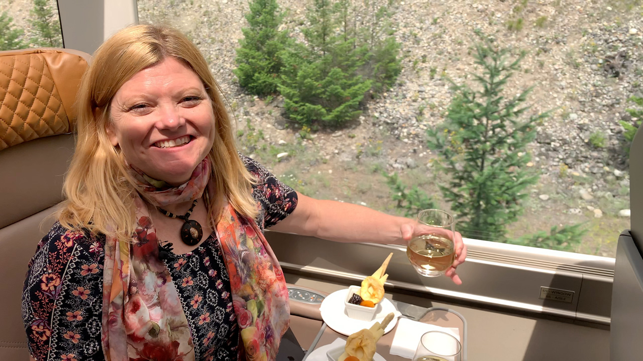rocky mountaineer train wine and cheese