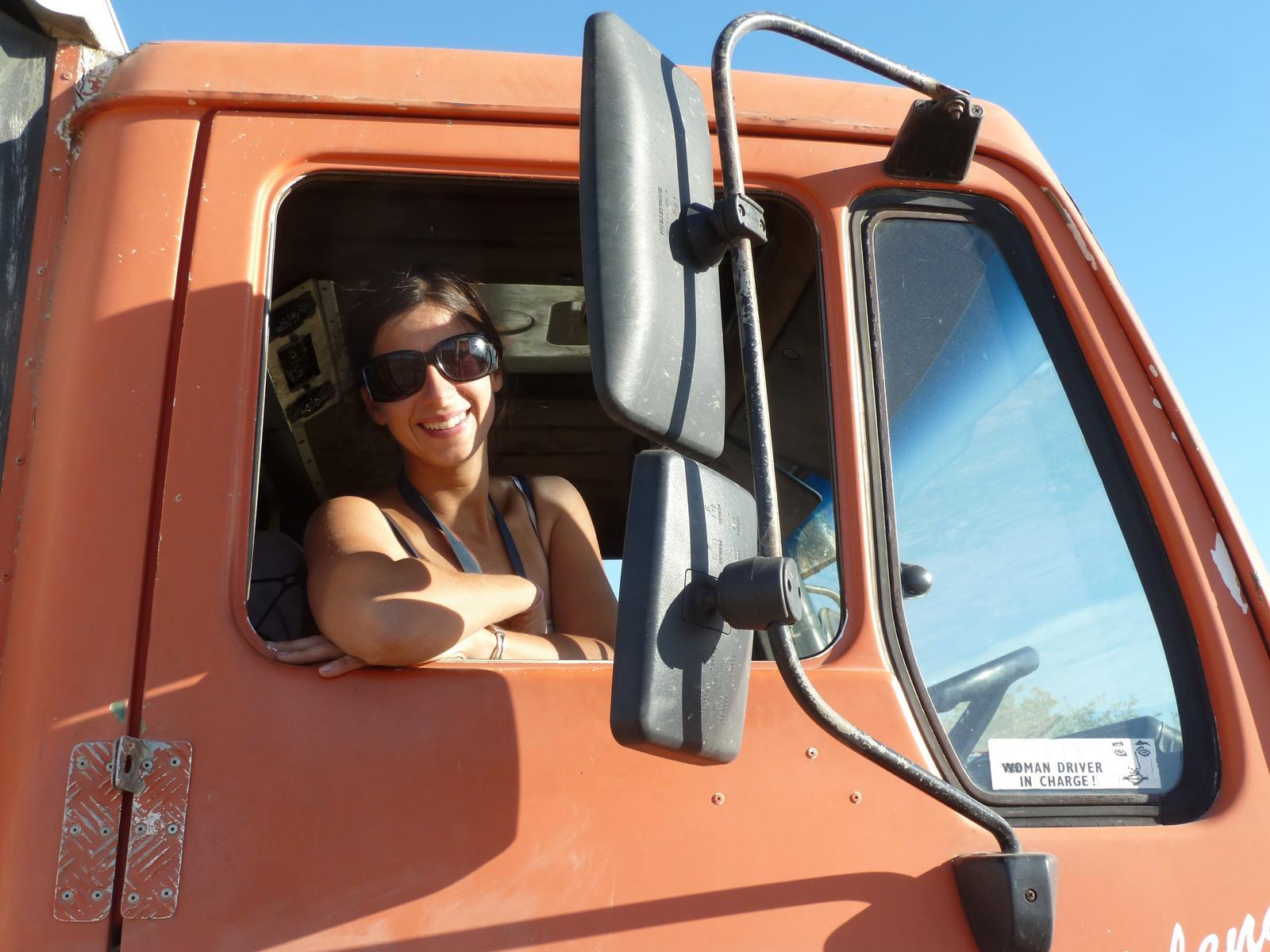 woman_truckdriver