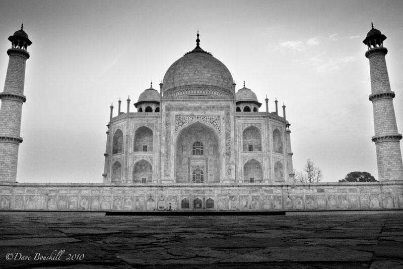 world in black and white taj mahal