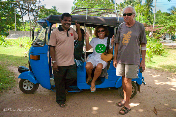 tuk-tuk-driver-tourists