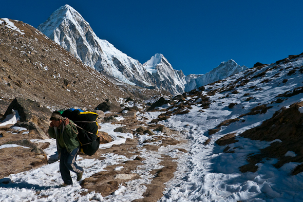 Sherpa's navigate to everest base camp