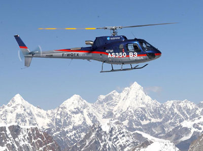 Helicopter makes a rescue near Namche