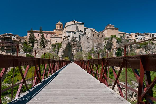 Cross the bridge to the cuenca