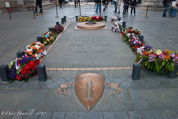 Unknown soldier grave, arc du triomphe paris