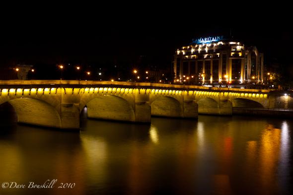 Paris-Night-France-La-Samaritaine