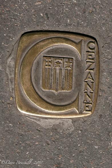 Bronze plaques marking way in Aix en Provence