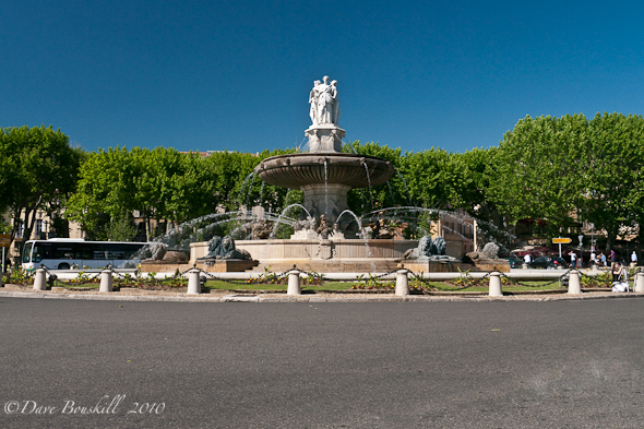 Roundabout in Aix en Provence